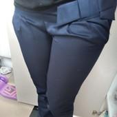Фирменные прямые брюки,38 размер