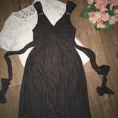 Шикарное платье плиссе Laura Scott