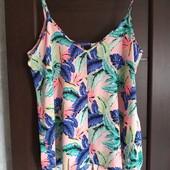 Фирменный красивый блуза-топ в тропические цветы р.20-22 состояние новой вещи
