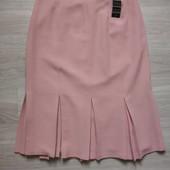Фирменная новая красивая юбка цвета пудры с нижними складами р.12-14