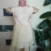 Детское нарядное платье с кружевом