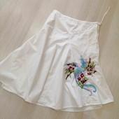 Белоснежная коттоновая юбочка с вышивкой, Cars Jeans, размер М.