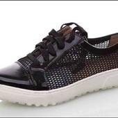 Кроссовки, туфли. Эко кожа.