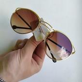 Стильные солнцезащитные очки + подарок! UV 400. Сделайте свой образ незабываемым!