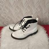 Фирменные модные ботинки