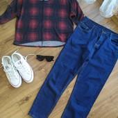 Стильный лук: джинсы з високою посадкой+ укорочена кофточка