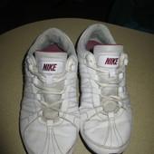Кожаные кроссовки Найк на каждый день! р 41, ст 26,5 см!