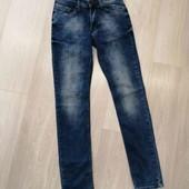 Мужские стрейчевые джинсы Chaos, размер S.