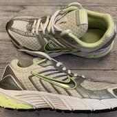 Кроссовки Nike оригинал 35 размер 22,5 см .