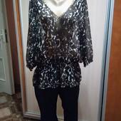 Красивая блуза модной расцветки 58-60р.