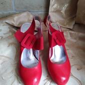 Лот 3 пары. Женские туфли Chanel, производитель Франция. р.39-24 см.