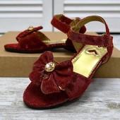 Милые перламутровые босоножки фирмы Xizhuzi. цвет на выбор.