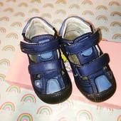 Очень классные кожаные летние туфли на мальчика,22 р- р,сост. отличное!