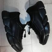 В лоте 2 модели,1 на выбор,качественные крутые кросы унисекс,быстрая отправка