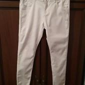 Стрейчевые белые джинсы р.48-52.
