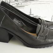 Закриті туфлі на 39 розмір