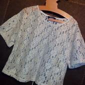В идеале √√ ажурная красивая блузка и яркая футболочка/туничка √√ классный лот.