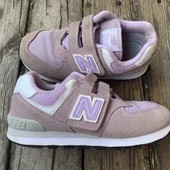 Замшевые кроссовки New balance 30 размер стелька 18,5 см . Состояние отличное.