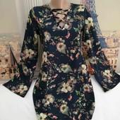 Лёгкое платье в цветочный принт, размер S.