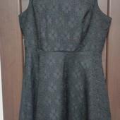 Фирменное красивое платье в состоянии новой вещи р. 16