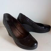 Лакированные женские туфли. Р.38.