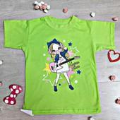 Крута якісна футболка на літо з дівчиною