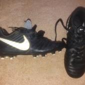 Крутые бутсы Tiempo для футбола. Берегём другую обувь.размер 31.5