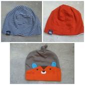 Фирменные трикотажные шапочки, новые. По ставке можно докупить.