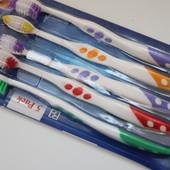 Набор из 5-ти зубных щеток