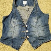 Продам джинсову желетку s. Oliver 40 p.