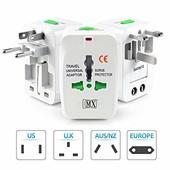 Универсальный адаптер путешественника под все виды розеток + USB порт для зарядки!