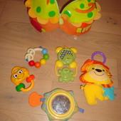 Фирменные игрушки для малышей в отличном состоянии - на выбор