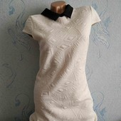 Красивое платье с фактурной ткани