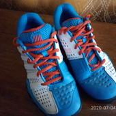 Классные дышащие кроссовки