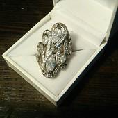 Потрясающе красивое украшение под любую одежду, кольцо, камни Сваровски