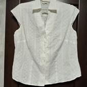 Фирменная красивая блуза из прошвы в хорошем состоянии р.16-20