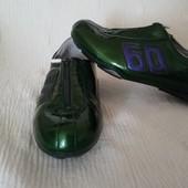 Кросівки жіночі 39р