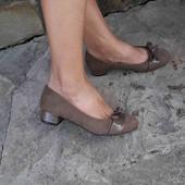 туфлі як нові,мягенька стелька