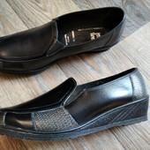 Очень удобные фирменные туфли в отличном состоянии!