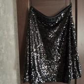 Фирменная красивая юбка в пайетку в отличном состоянии р.18-20