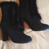 Замшевые ботинки с отделкой из норки