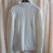белый стильный свитер М сос. нового