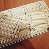 Лот для любителей суши. 4 бамбуковые подложки на стол+2 под чашечки. +40 пар палочек!!!