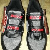 Класні кросовки, мигають пятки, стелька 20,5 отлічний стан,