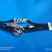 Кожаный черный браслет