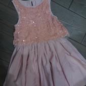Красивое платье 110см в отличном состоянии