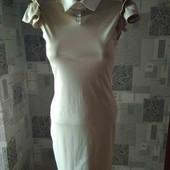 Очень нежное,красивое платье в состоянии нового.