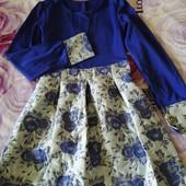 Платье нарядное,можно в школу