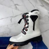 Ботинки стильные женские DGG (белые и черные)