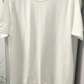 Новенькая футболочка, 100 % коттон, прислана из Америки. Р-р L\G, наш 52-54.
